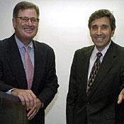 IBM CEO Sam Palmisano and Mayo CEO Cortese with Blue Gene model.